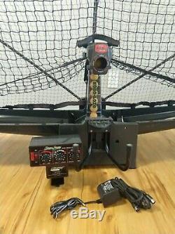 Newgy Robo Pong 2040 Table Tennis Robot w 40mm Balls Case Manual Ball Scooper