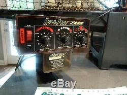 Newgy Robo-pong 2000 Tennis De Table De Ping-pong Robot + 38mm Balles + Manuels + Plus