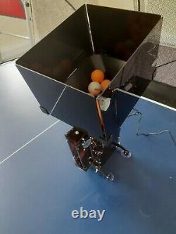 Serve Return Professional Table Tennis Robot Automatic Spin Télécommande